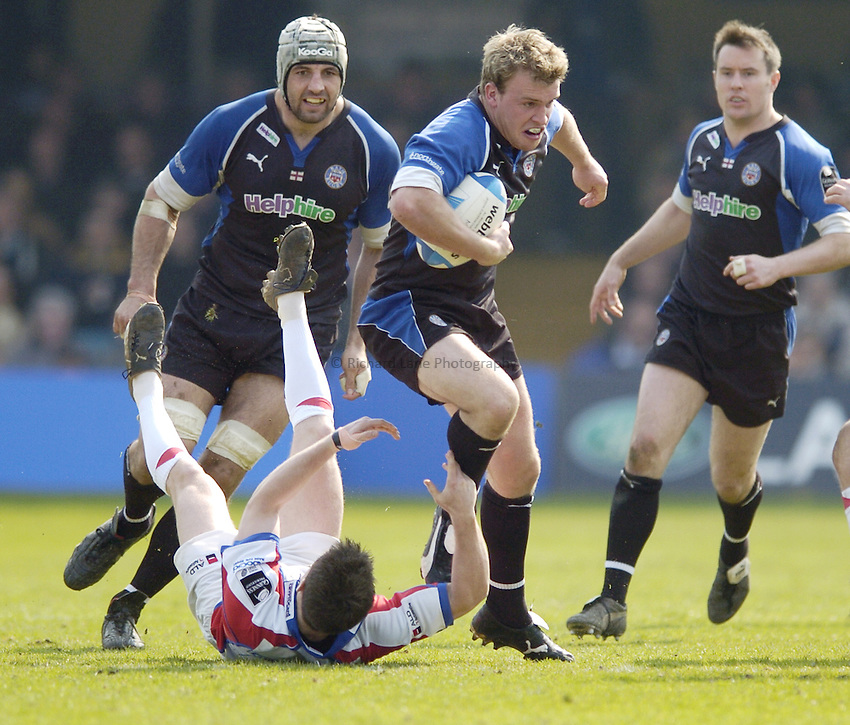 Photo: Jonathan Butler..Bath Rugby v Bristol Rugby. European Challenge Cup. 31/03/2007..Tom Cheeseman (C) charges forward for Bath.