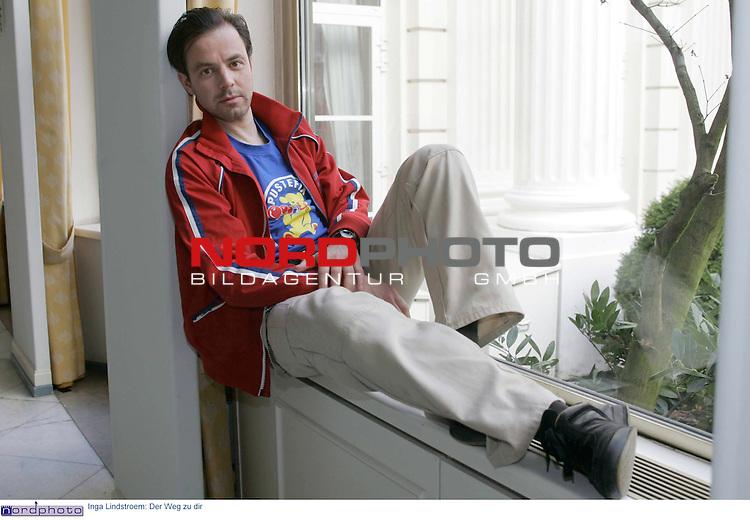 Pressetermin zu dem Fernsehfilm &quot;Inga Lindstroem: Der Weg zu dir&quot; am Sonntag, 1.Mai 2005 im ZDF<br /> Felix Eitner spielt als Patrick mit.<br /> Foto &copy; nordphoto / Anja Heinemann<br />  *** Local Caption *** Foto ist honorarpflichtig! zzgl. gesetzl. MwSt.<br />  Belegexemplar erforderlich<br /> Adresse: nordphoto<br /> Georg-Reinke-Strasse 1<br /> 49377 Vechta