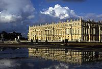 Europe/France/Ile-de-France/78/Yvelines/Versailles/Château de Versailles: Bassin et Château côté façade Renaissance à l'italienne