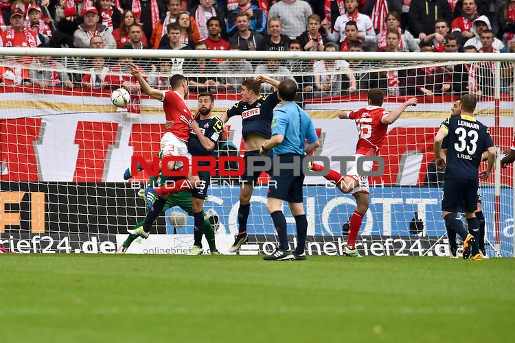 17.04.2016, Coface-Arena, Mainz, GER, 1. FBL, 1. FSV Mainz 05 vs. 1. FC Koeln, im Bild: Leon Balogun (#3, FSV Mainz) trifft zum 2:0, Dominic Maroh (#5, 1. FC Koeln) kann nicht mehr stoeren<br /> <br /> Foto &copy; nordphoto / Fabisch