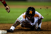 Cedric Hunter de naranjeros se barre para regresar a salvo en un revire a la primera base, durante el juego de beisbol de la Liga Mexicana del Pacifico temporada 2017 2018. Cuarto juego de la serie de playoffs entre Mayos de Navojoa vs Naranjeros. 05Enero2018. (Foto: Luis Gutierrez /NortePhoto.com)