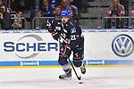 Mannheims Nicolas Kraemmer / Kr&auml;mmer (Nr.21) am Puck beim Spiel in der DEL, Adler Mannheim (blau) - Augsburger Panther (weiss).<br /> <br /> Foto &copy; PIX-Sportfotos *** Foto ist honorarpflichtig! *** Auf Anfrage in hoeherer Qualitaet/Aufloesung. Belegexemplar erbeten. Veroeffentlichung ausschliesslich fuer journalistisch-publizistische Zwecke. For editorial use only.