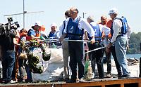 SAO PAULO, SP - 22.03.2017 - NOSSA GUARAPIRANGA - O Governador Geraldo Alckmin acompanhado do prefeito de S&bdquo;o Paulo, Jo&bdquo;o D&Ucirc;ria, participam da comemora&Aacute;&bdquo;o do dia Mundial da &iexcl;gua na manha desta quarta-feira (22) na Represa do Guarapiranga, zona sul da Capital. O evento de preserva&Aacute;&bdquo;o dos mananciais batizado de Nossa Guarapiranga teve a presen&Aacute;a de outras autoridades municipais e estaduais. <br /> <br /> (Foto: Fabricio Bomjardim / Brazil Photo Press)