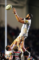 Geoff Parling of Exeter Chiefs rises high to win lineout ball. Aviva Premiership match, between Leicester Tigers and Exeter Chiefs on March 3, 2017 at Welford Road in Leicester, England. Photo by: Patrick Khachfe / JMP