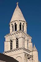 Europe/France/Poitou-Charentes/86/Vienne/Poitiers:  Eglise Notre-Dame la Grande- le clocher