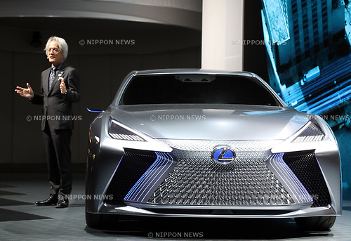 "October 25, 2017, Tokyo, Japan -  Japanese automobile giant Toyota Motor's luxury brand Lexus  International president Yoshihiro Sawa displays the company's concept vehicle ""LS+ Concept"" at a press preview at the 45th Tokyo motor Show in Tokyo on Tuesday, October 25, 2017. Tokyo Motor Show will start from October 27 through November 5.   (Photo by Yoshio Tsunoda/AFLO) LWX -ytd-"