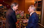 UTRECHT - Dagvoorzitter Tom van 't Hek met KNHB directeur Erik Gerritsen. , Nationaal Hockey Congres van de KNHB, COPYRIGHT KOEN SUYK