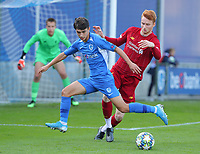 20191023 - Genk: Genk's Luca Oyen (left) and Liverpool's Sepp Van Den Bergh (right) are battling for the ball during the UEFA Youth League group stages match between KRC Genk Youth and Liverpool FC on October 23, 2019 at KRC Genk Stadium Arena B, Genk, Belgium. PHOTO:  SPORTPIX.BE | SEVIL OKTEM