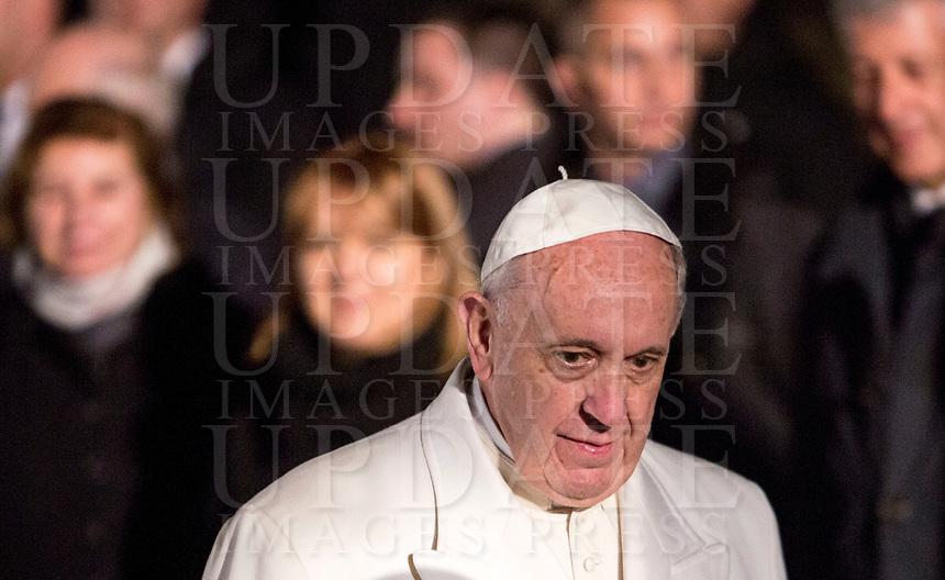 Pope Francis leaves after presiding over the Via Crucis (Way of the Cross) on Good Friday, in front of the Colosseum, in Rome, March 30, 2018.<br /> UPDATE IMAGES PRESS/Riccardo De Luca<br /> <br /> STRICTLY ONLY FOR EDITORIAL USE