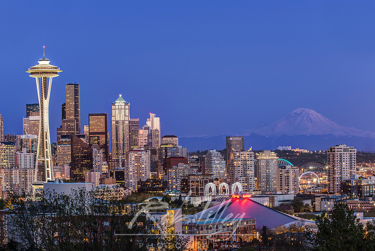USA, WA, Seattle, Downtown and Mt. Rainier at Twilight