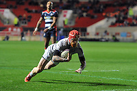 Tom Homer of Bath Rugby scores a try in the first half. European Rugby Challenge Cup match, between Bristol Rugby and Bath Rugby on January 13, 2017 at Ashton Gate Stadium in Bristol, England. Photo by: Patrick Khachfe / Onside Images