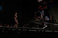 """SÃO PAULO, SP, 09.08.2016 - MODA-SP - A marca Cavalera promove desfile-show para 3 mil pessoas nesta terça-feira, dia 9, na casa de shows Tom Brasil com o tema """"Nossa Moda de Viola"""", que conta com a presença de 30 cantores sertanejos. (Foto: Ciça Neder/Brazil Photo Press)"""
