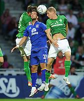 FUSSBALL   1. BUNDESLIGA   SAISON 2011/2012   TESTSPIEL SV Werder Bremen - FC Everton                 02.08.2011 Sebastian PROEDL (li) und Kevin SCHINDLER (re, beide Werder Bremen) gegen Vellios APOSTOLOS (Mitte, Everton)
