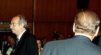 Il segretario del Partito Democratico Walter Veltroni, a sinistra, ed il Presidente del Consiglio Silvio Berlusconi, di spalle, poco prima dell'inizio dell'Assemblea di Confesercenti a Roma, 25 giugno 2008..UPDATE IMAGES PRESS/Riccardo De Luca