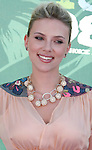 Actress Scarlett Johansson arrives at the 2008 Teen Choice Awards at the Gibson Amphitheater on August 3, 2008 in Universal City, California.