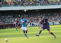 Fiorentina's Nikola Kalinic shoots and scores during the Italian Serie A soccer match between SSC Napoli and AC Fiorentina  at San Paolo stadium in Naples,October 18, 2015