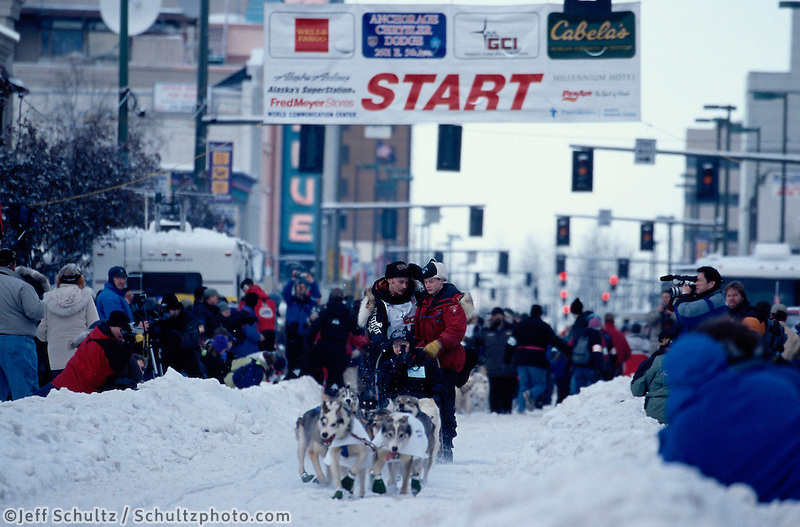 Mitch Seavey Leaves Anchorage Start Iditarod 2002