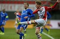 EMMEN - Voetbal, FC Emmen - Almere City, Jens Vesting, Jupiler League, seizoen 2017-2018, 17-11-2017,  FC Emmen speler Youri Loen