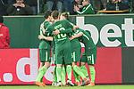 12.03.2018, Weser Stadion, Bremen, GER, 1.FBL, Werder Bremen vs 1.FC Koeln, im Bild<br /> <br /> 2 zu 1 Milot Rashica (Werder Bremen #11)<br /> gegen Timo Horn (Koeln #01)<br /> <br /> jubel mit der Mannschaft<br /> Foto &copy; nordphoto / Kokenge