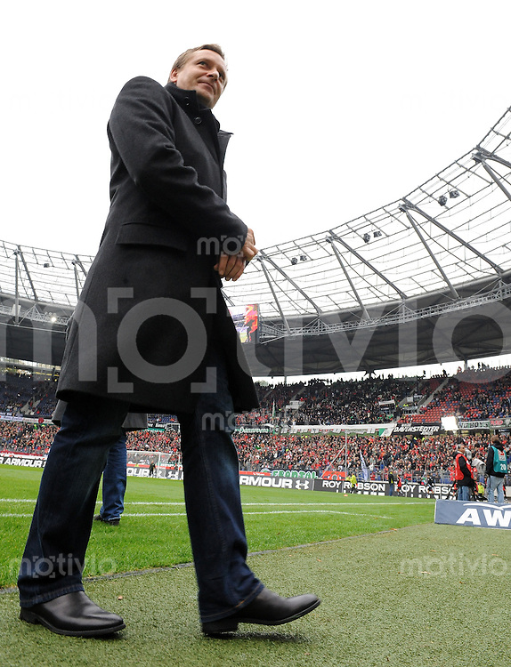 FUSSBALL  1. BUNDESLIGA   SAISON 2009/2010   10. SPIELTAG Hannover 96 - VfB Stuttgart            24.10.2009 Horst HELDT (Sportmanager VfB Stuttgart) in der AWD-Arena in Hannover