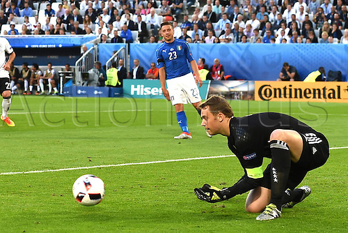 02.07.2016. Bordeaux, France. 2016 European football championships. Quarterfinals match. Germany versus Italy.  Goalie Manuel Neuer (Ger) collects safely