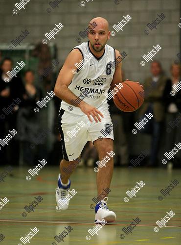 2008-04-05 / Basketbal / Blati - Herentals / T. Van Houdt (Herentals)..Foto: Maarten Straetemans (SMB)