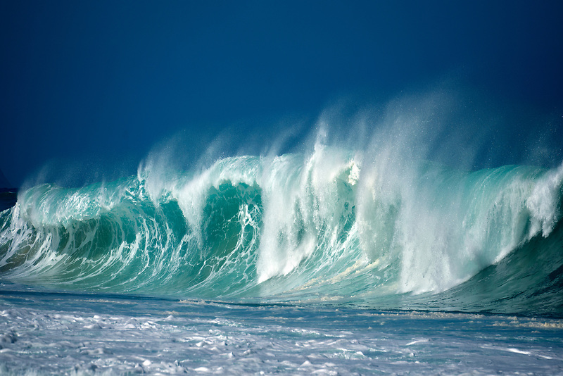 Large storm waves off north coast of Oahu, Hawaii