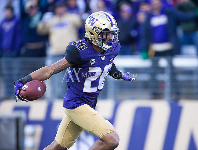Sidney Jones returns an interception for a touchdown.