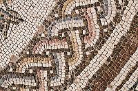 Zypern (Süd), Pafos,  Boden-Mosaik  in den Ruinen der fünfschiffigen Basilika  Panagia Chrysopolitissa aus dem 4. Jahrhundert