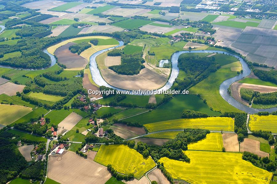 4415/Ems :EUROPA, DEUTSCHLAND, NIEDERSACHSEN 22.05.2005: Ems, Fluss, Emsbueren, Landschaft, Flusslandschaft, Windung, Grafschaft Bentheim, Verkehrsweg, Luftaufnahme , Luftbild