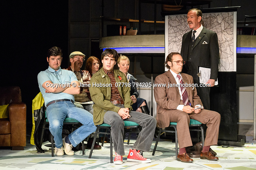"""London, UK. 06.09.2017. """"The Knowledge"""", written by Jack Rosenthal and directed by Maureen Lipman, opens at the Charing Cross Theatre. Picture shows: James Alexandrou, Michael Chance, Gina Ruysen, Fabien Frankel, Louise Callaghan, Ben Caplan, Steven Pacey. Photograph © Jane Hobson."""