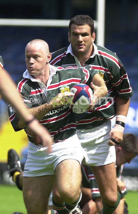 Pix:Simon Wilkinson/SWPIX.Rugby Union Zurich Premiership 2000.Wasps v Leicester Tigers 26/08/2000..COPYWRIGHT PICTURE>>SIMON WILKINSON>>01943 436649>>..Leicesters Pat Howard.