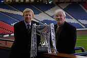 Managers Gordon Strachan (celtic) and Jim Leishman (Dunfermline) with the CIS League Cup, preparing for Sunday's Final.... Picture by Donald MacLeod 16.03.06