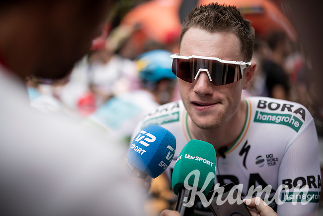interviewing pre-stage favorite (and eventual winner) Sam Bennett (IRL/Bora-Hansgrohe) at the stage start<br /> <br /> Stage 3: Ibi. Ciudad del Juguete to Alicante (188km)<br /> La Vuelta 2019<br /> <br /> ©kramon