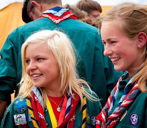 Prime ministers visiting Danish and Norwegian scouts. Photo: André Jörg/ Scouterna
