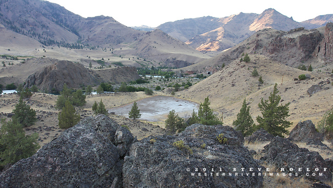 The canyons twist from all directions along the lower Deschutes River, Oregon.