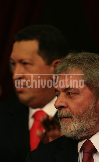 Brazil President Luiz Inacio Lula da Silva and his counterpart from Venezuela, Hugo Chavez, during the inauguration of new Argentina President