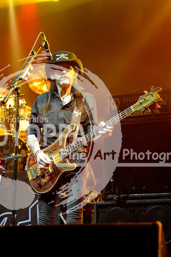 Ian 'Lemmy' Kilmister von Motörhead live in der Alsterdorfer Sporthalle. Hamburg, 09.12.2015