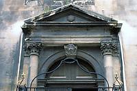 Sir Christopher Wren: Detail of door in London.