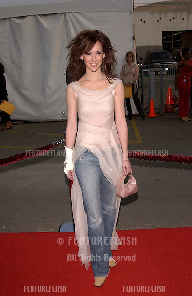 Actress JENNIFER LOVE HEWITT at the American Music Awards in Los Angeles..09JAN2002.  © Paul Smith/Featureflash