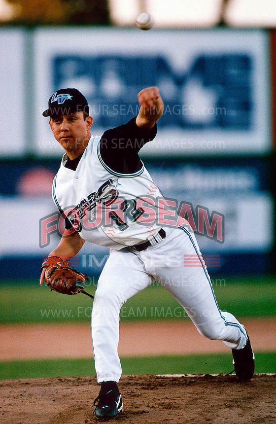 Roberto Ramirez of the Las Vegas Stars participates in a minor league baseball game during the 1998 season at Cashman Field in Las Vegas, Nevada. (Larry Goren/Four Seam Images)