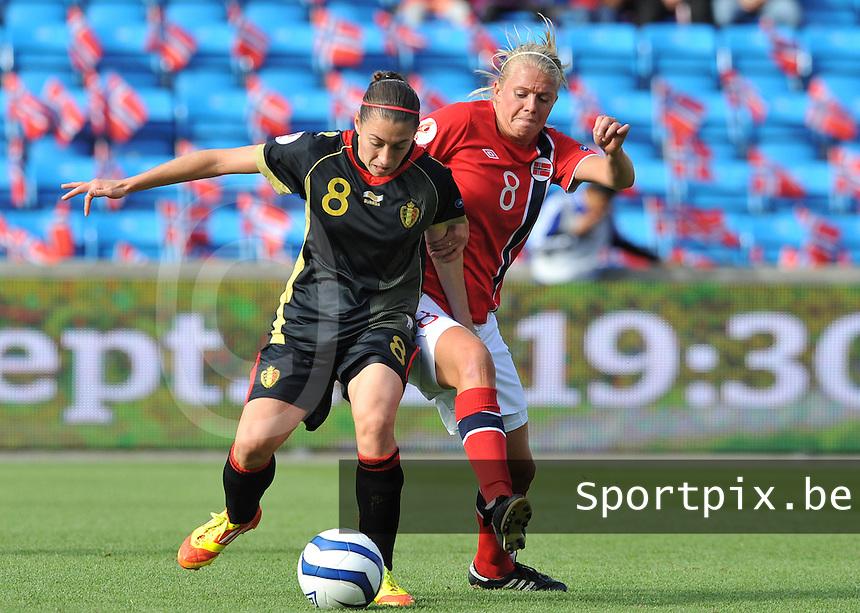 Norway : UEFA Women's Euro Qualifying group stage (Group 3) - 15/09/2012  - Oslo - Ullevaal Stadion : Norway  (Noorwegen) - BELGIUM ( Belgie) : Solveig Gulbrandsen in duel met Audrey Demoustier.foto DAVID CATRY / Vrouwenteam.be