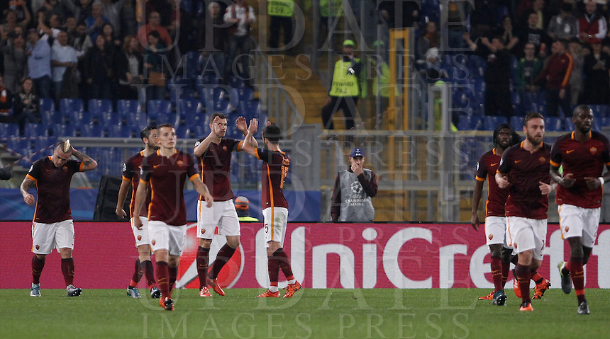 Calcio, Champions League, Gruppo E: Roma vs Bayer Leverkusen. Roma, stadio Olimpico, 4 novembre 2015.<br /> Roma's Edin Dzeko, fourth from left, celebrates with teammates after scoring during a Champions League, Group E football match between Roma and Bayer Leverkusen, at Rome's Olympic stadium, 4 November 2015.<br /> UPDATE IMAGES PRESS/Isabella Bonotto