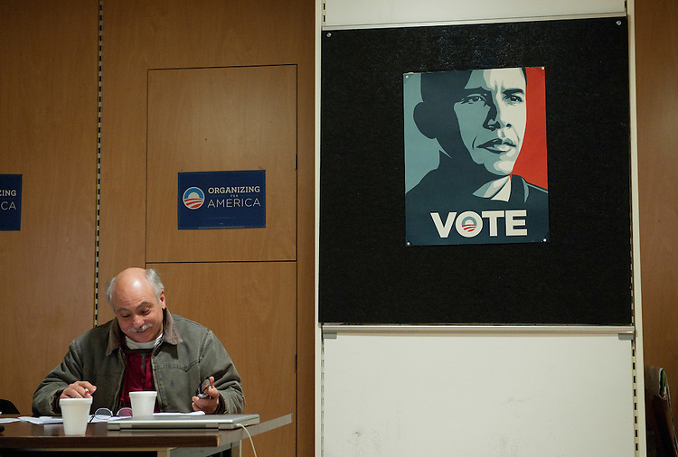 UNITED STATES - FEBRUARY 12:  A campaign works makes phone calls at President Barack Obama's campaign office in Cleveland, Ohio. (Photo By Tom Williams/CQ Roll Call)