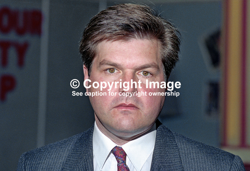 David Thomas, MEP, Labour Party, UK, at annual conference. 199409020.<br />