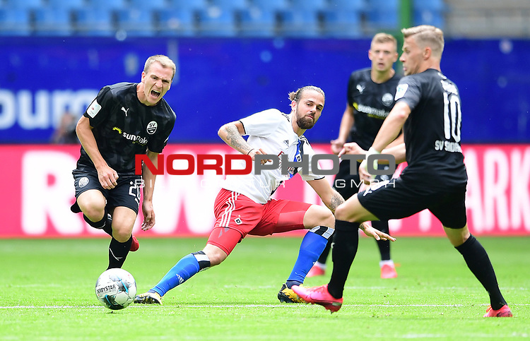 v.l. Emanuel Taffertshofer, Martin Harnik (HSV), Julius Biada<br />