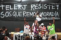 RIO DE JANEIRO, RJ, 07.05.2014 – ASSEMBLÉIA UNIFICADA PROFESSORES MUNICIPIO-ESTADO RJ – Os professores do município e do estado realizam uma assembleia unificada para decidir se entram ou não em greve pelo não cumprimento dos acordos firmados pelo município e o governo no movimento de 2013 a assembléia contou com a participação dos moradores que foram despejados do prédio da antiga Telerj na tijuca zona norte da cidade nessa quarta 07. (Foto: Levy Ribeiro / Brazil Photo Press)