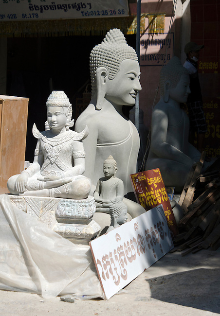 Buddha statues at craftsman shop