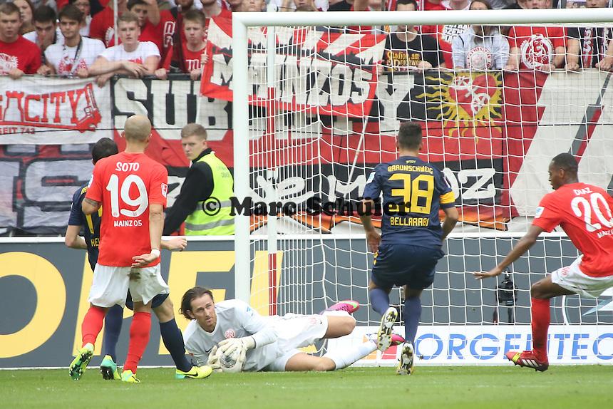 Heinz Mueller (Mainz) haelt - 1. FSV Mainz 05 vs. Eintracht Braunschweig, Coface Arena, 10. Spieltag