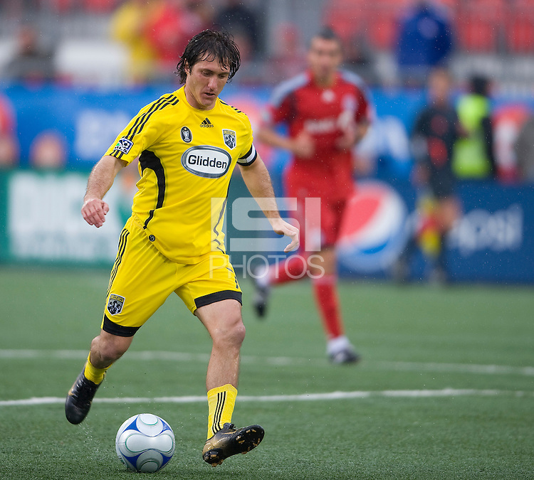02 May 2009: Columbus Crew forward/midfielder Guillermo Barros Schelotto #7 in action at BMO Field in a game between the Columbus Crew and Toronto FC. .The game ended in a 1-1 draw..